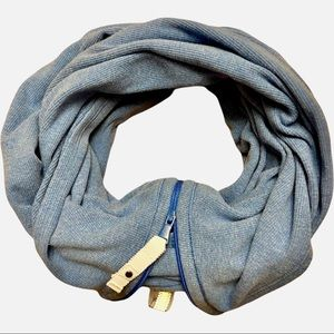 Lululemon vinyasa infinity scarf with zipper